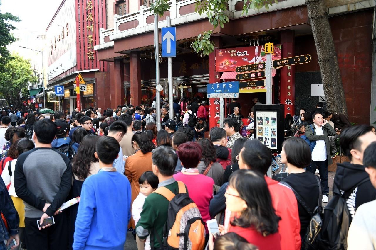 人口静流入_纵观深圳,人口流向决定经济,回迁房再添新高度