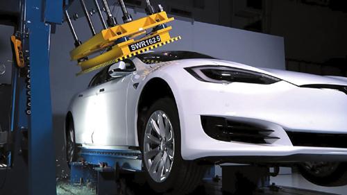 电动汽车安全发展需双管齐下