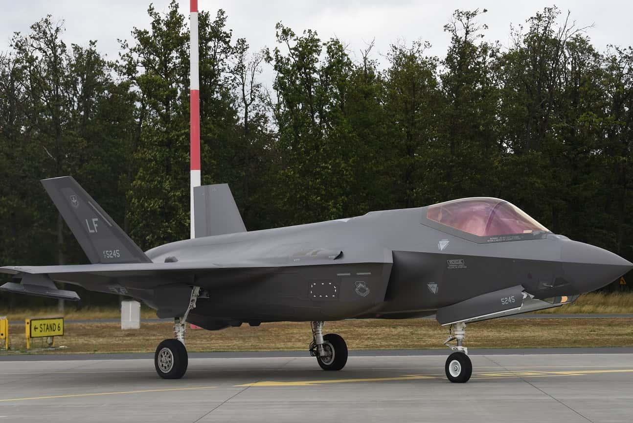 美国批准向波兰出售32架F-35 波兰防长:要价太高