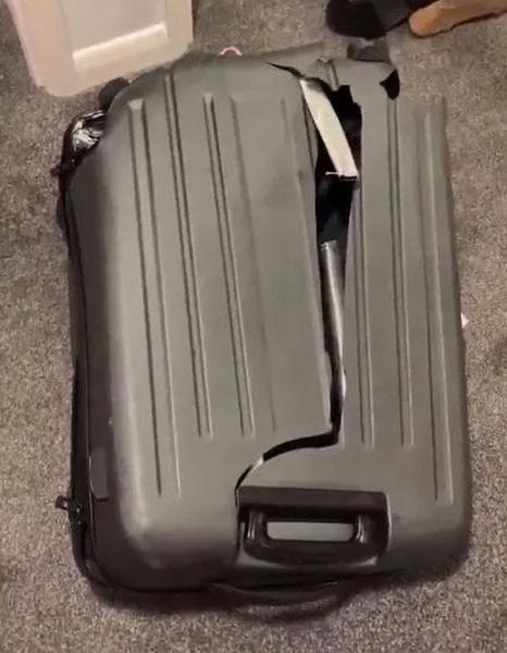 英航空公司遗失旅客行李箱 返还后惨不忍睹