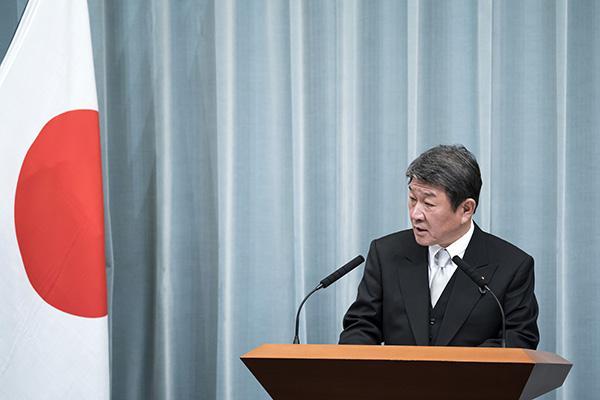 日美新贸易协定将提交日本国会,日外务大臣:望明年1月生效