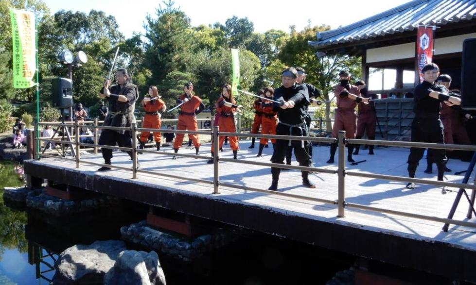 """日本23名公务员成立""""忍者组织""""?还苦练水上行走 遭市长解散"""
