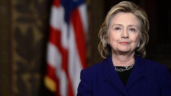 希拉里指俄罗斯暗助一民主党女候选人:她是俄罗斯人的最爱