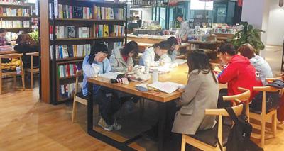 <b>多种经营揽人气,多条政策齐扶持,多方合作汇资源:校园书店拓宽成长空间</b>