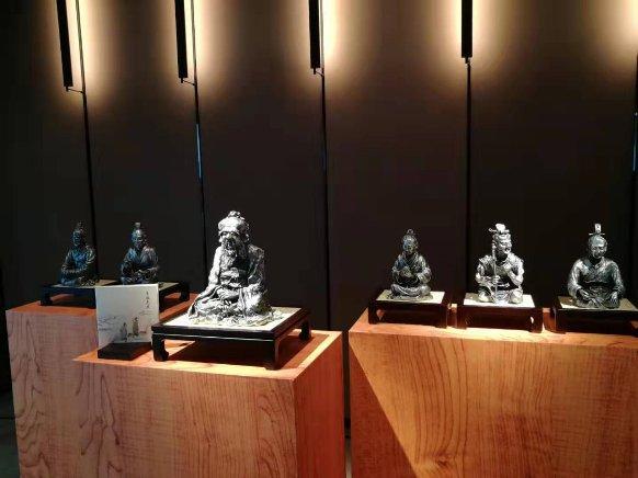 """皇家雪兰莪""""有教无类""""系列精品雕塑北京首发"""