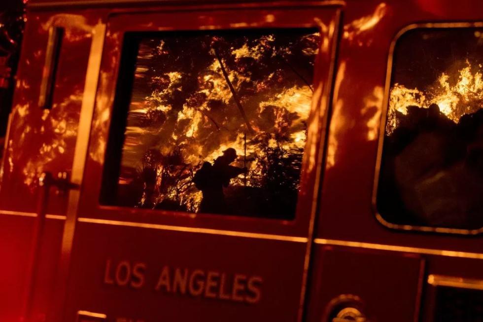加州山火烧过来了,可这座博物馆却坚决不转移价值连城的艺术品