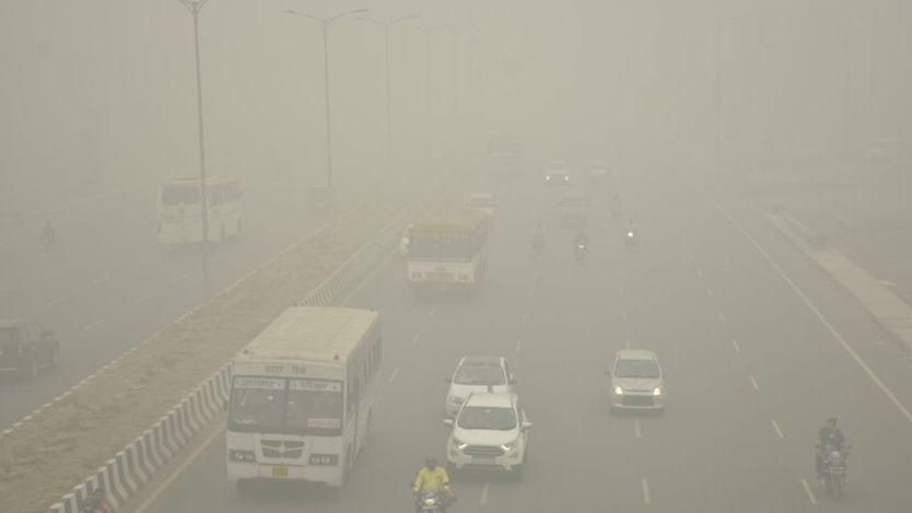PM2.5爆表!印度首都再实行单双号限行 学校关闭1天