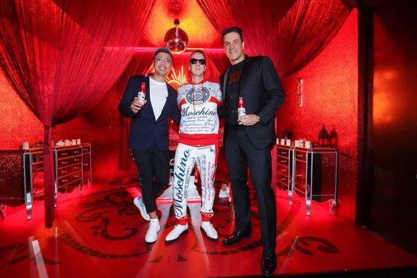 <b>百威宣布与MOSCHINO合作 十五款跨界时尚单品与联名啤酒首秀登场</b>