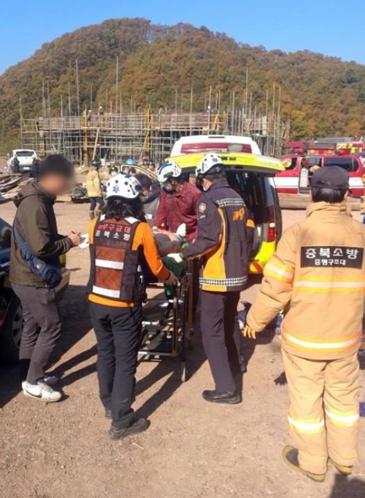 祭祖时80岁韩国老人突然泼汽油纵火 族人1死11伤