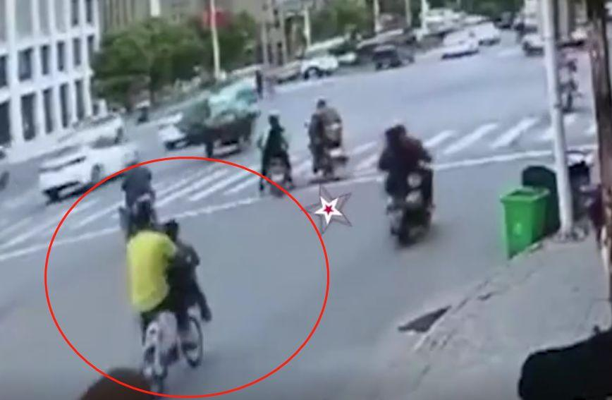舅舅让外甥女坐共享单车车篮里,一个刹车她遭碾压身亡