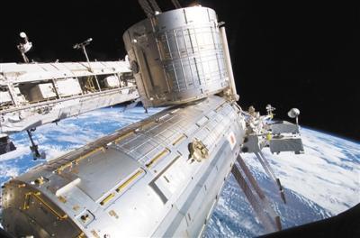 宇航员太空行走修复阿尔法磁谱仪