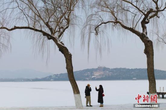 北京公园风景区游客量达到往年同期40%将限流