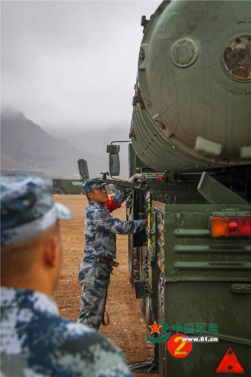 s300防空导弹_S300远程防空导弹千里入大漠