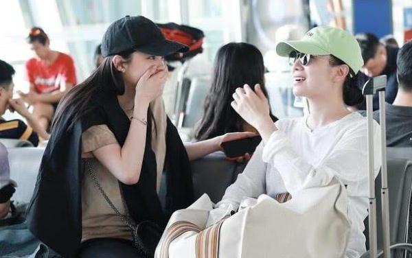 欧阳娜娜机场偶遇大明星,看清对方是谁后,网友:还有这种缘分?