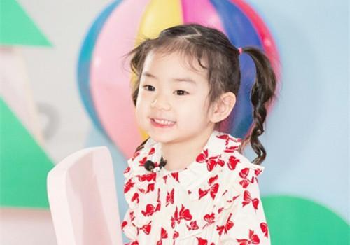 小戚_遗传到明星父母美貌的女儿,个个颜值逆天,你给她们打几分呢?