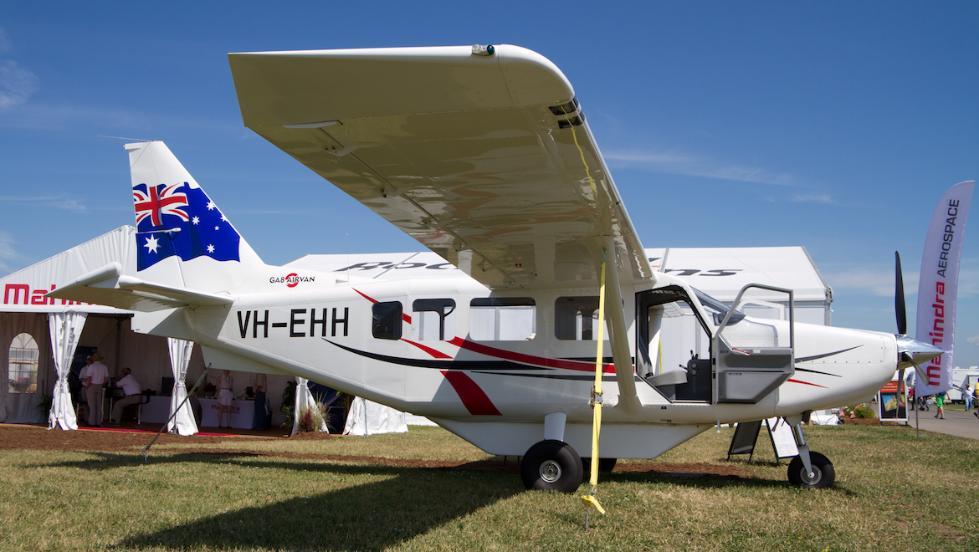 """澳大利亚GA8型""""空中货车""""单发动机飞机。(图源:《澳大利亚人报》)"""