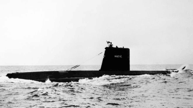 """(""""密涅瓦""""号潜艇失踪4年前的照片,图源:BBC)"""