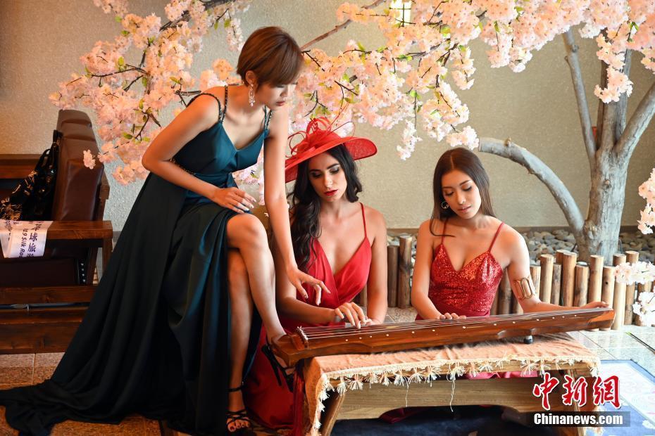 感受中国文化 2019丝路环球旅游小姐世界总决赛选手在中卫采风拍摄