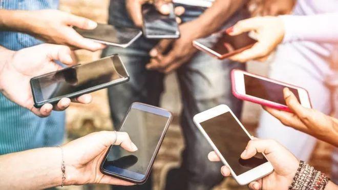 開學了,還能愉快地玩手機嗎?