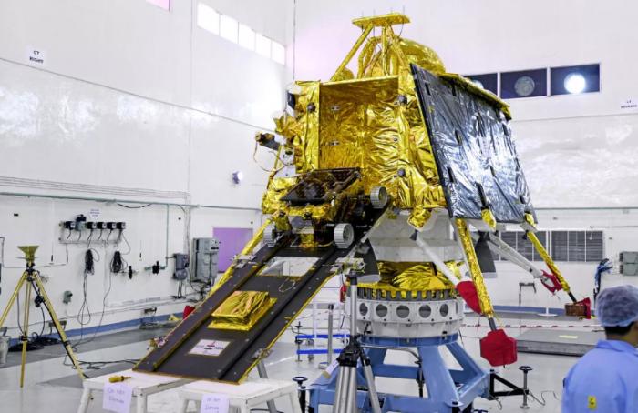 "NASA仍在寻找印度""月船2号""Vikram月球着陆器的下落"