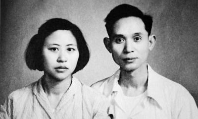 文传源和易正本1954年结婚。如今65年过去,两位老人依旧相濡以沫。