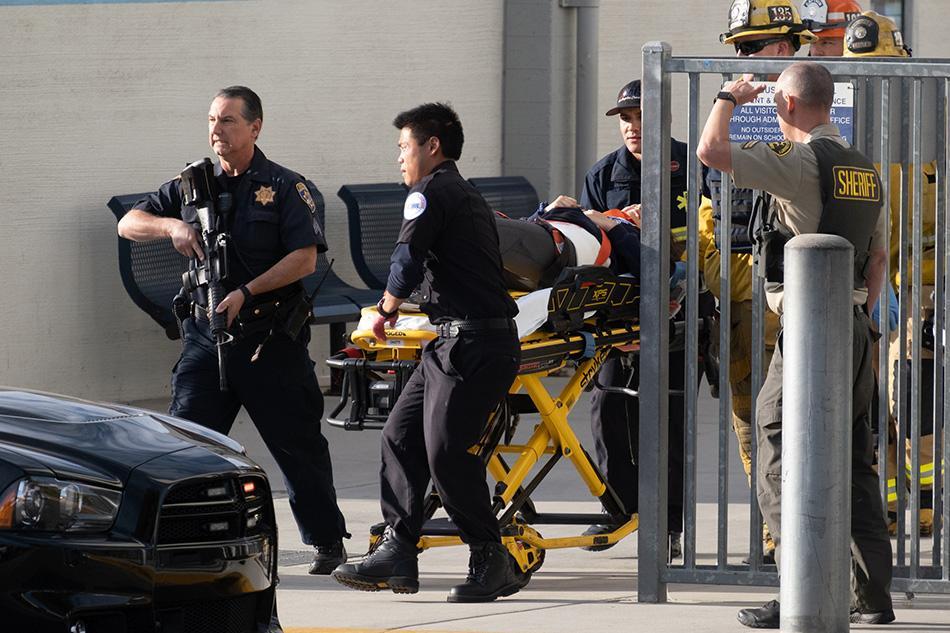 当地时间2019年11月14日,美国加州洛杉矶圣克拉里塔,一所高中发生枪击事件,已致2人死亡。 ICphoto 图