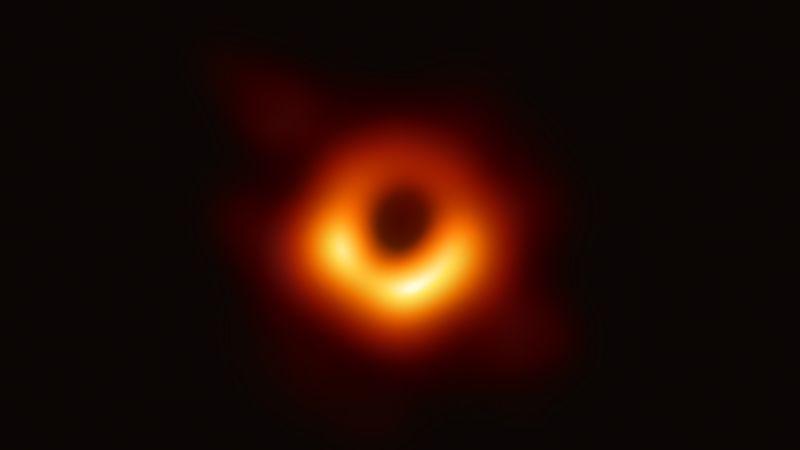 首张黑洞图片。图片来源:美国《科学》杂志