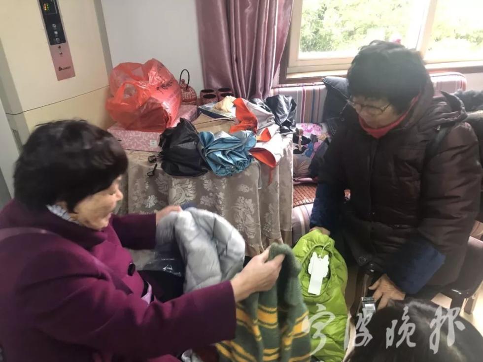 """韩翠菊:十五年毛衣不离手,她被称为""""毛衣奶奶"""""""
