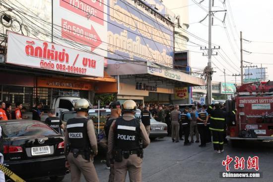 泰国各界为枪案死伤者捐款 政府拟增加遇难者抚恤金