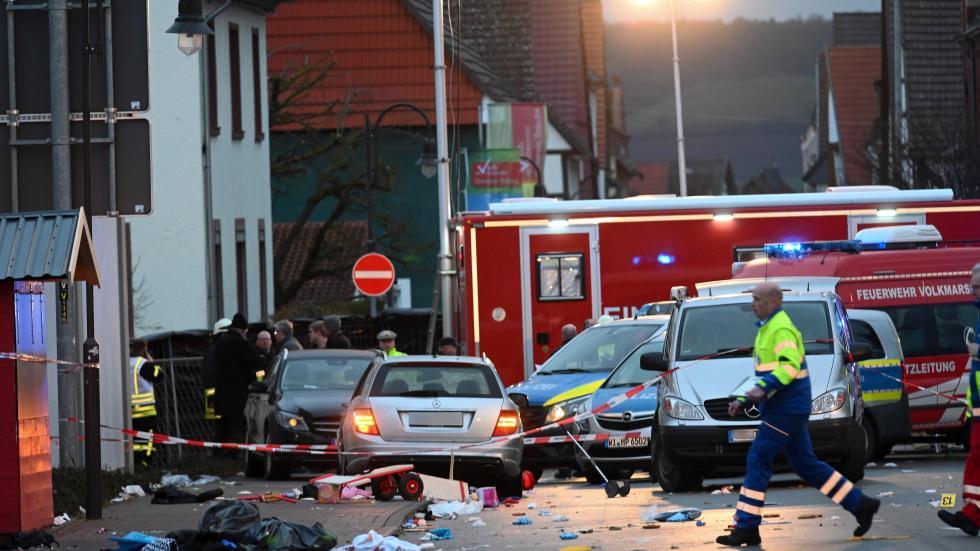 德国汽车冲撞行人已致30人受伤 7人重伤