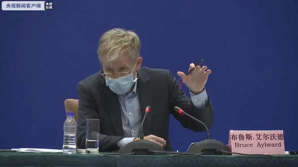 听到世卫组织专家对中国疫情防控的评价,翻译小姐姐哽咽了