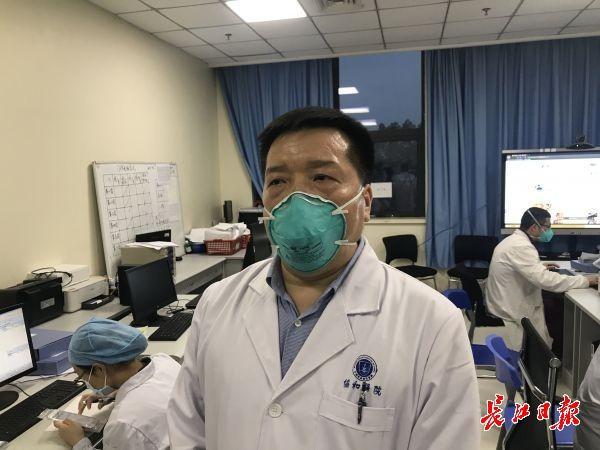 英语改错题专家:新冠肺炎仍无特效药
