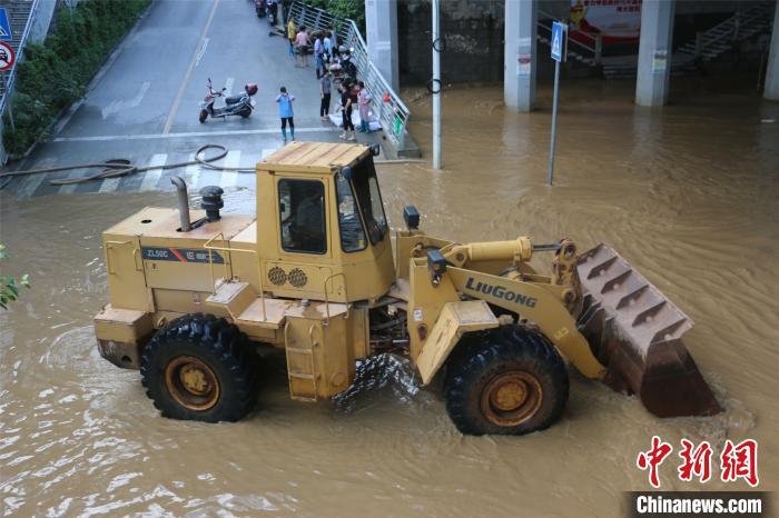 一周之内3次超警洪峰过境广西柳州